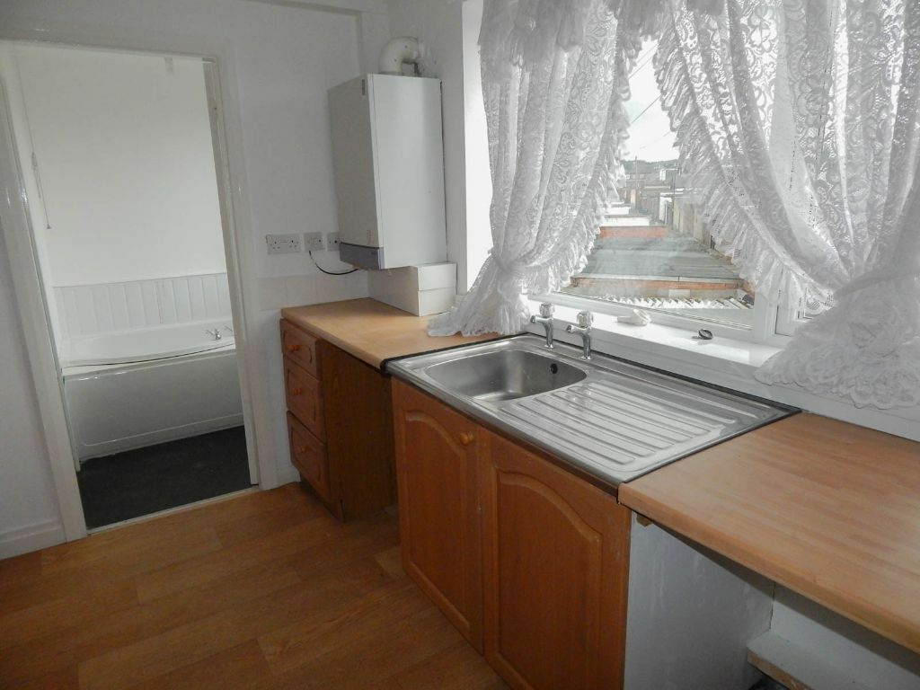 Two Bedroom unfurnished flat for immediate let. First month rent free! No bond required