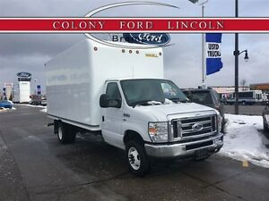 2016 Ford Econoline 16' CUBE VAN, PULL OUT RAMP, LOW KM'S!