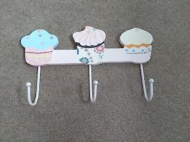 Cupcake hooks