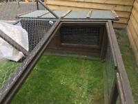 Rabbit hutch & run