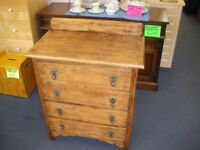 TRADITIONAL OAK 4-DRAWER CHEST OF DRAWERS