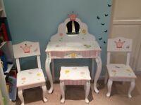 Teamson Kids Vanity Table + stool + 2 chairs RRP £ 320