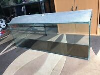 4 ft fish tank with only lid u can look pic all clean