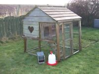 Flyte so Fancy Wooden Cottage Henhouse (Chicken House) and Extension Run