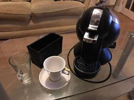 Nescafé Krups Dolce Gusto coffee machine in black