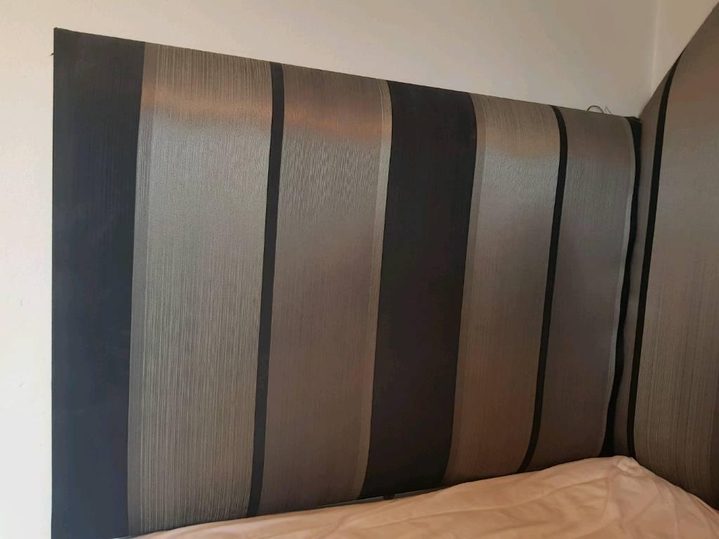 Head board / Curtains / lamp