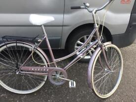 Ladies vintage 3 speed Raleigh bicyvle
