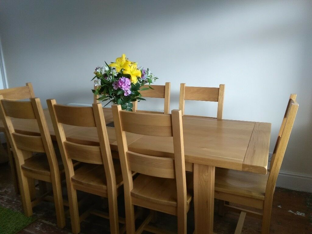 Drastically Reduced For Quick Sale Solid Oak Vancouver Extending Dining Table And 8 Chairs