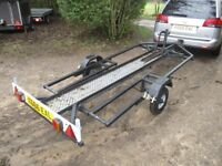 UNIQUE MOTORCYCLE TRANSPORTER TRAILER MANUAL LOWERING BED SYSTEM..