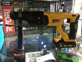 Dewalt 18v xr brushless DCH033 sds hammer drill & 3.0ah battery