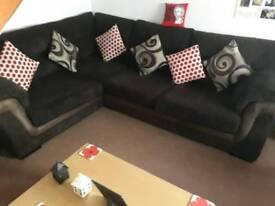 Corner settee +chair