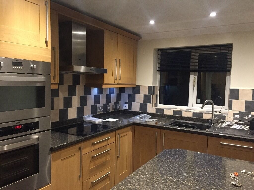 Wickes Kitchen Furniture Wickes Kitchen Units Tiverton Oak In Brilliant Condition In