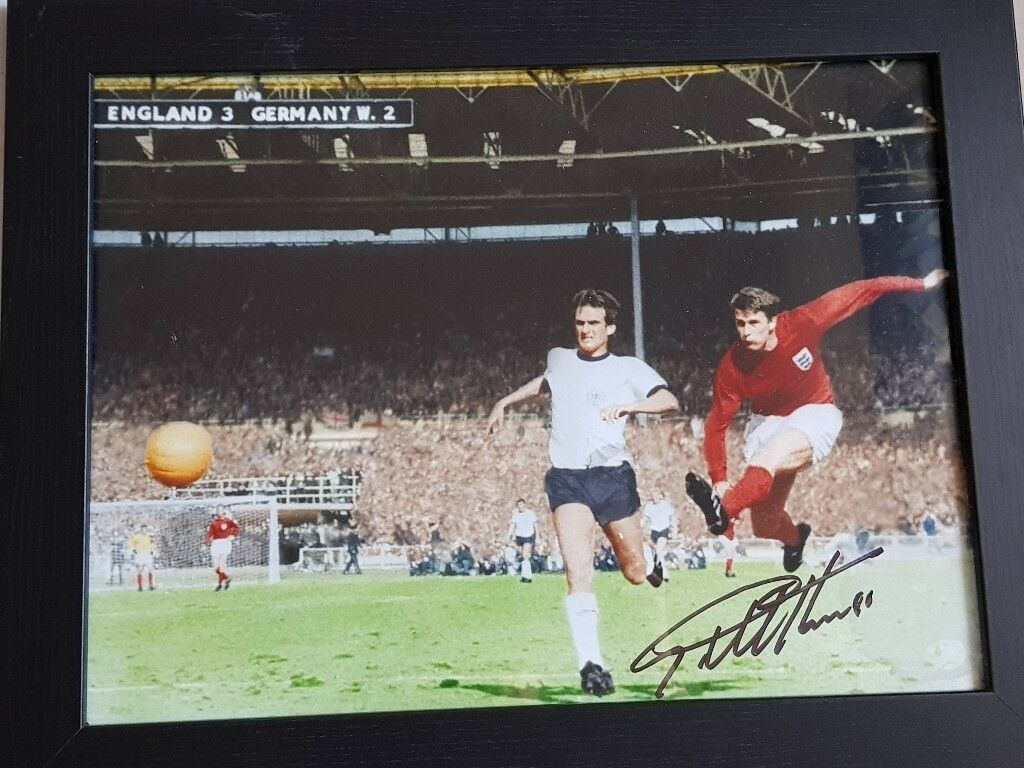 Signed geoff hurst photo