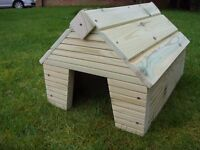 NEW - solid 25mm wood guinea pig dwarf small rabbit hide shelter house outdoor run - heavy duty