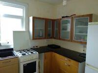 Spacious Studio Flat To Let, Upton Park ( off Green Street)