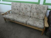 Wooden settee with 6 cushions