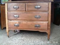 Mahogany Chest Drawers/dressing table