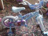 """14"""" girls Frozen bike, very good condition and helmet"""