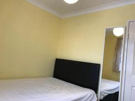 NICE SPACIOUS LARGE SINGLE ROOM AVAILABLE