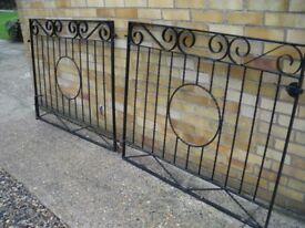 Black metal gates with fixings, VGC, £50