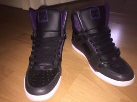 DC Sneakers shoes SIZE 5.5UK