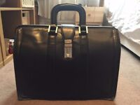 Handsome black leather briefcase: old-timey doctor's style