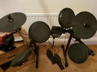 Electric drum kit needs new headfones but works great