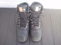 Steel toe cap boots size 6