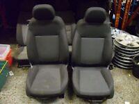 Corsa D life cloth front seats