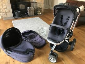 Complete quinny buzz travel system including pushchair and carrycot.