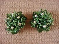 2 Green White Mistletoe Shaped Christmas Dinner Candle Holders Xmas Table Decorations
