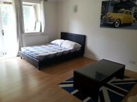 ** AMAZING LOCATION ** ALL BILLS INCLUDED ** LARGE DOUBLE ROOM **