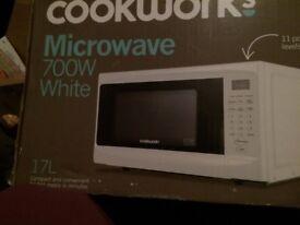 Cookworks 700w Microwave