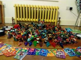 SKYLANDERS bundle including figures from Giants, Swap Force and Trap Team