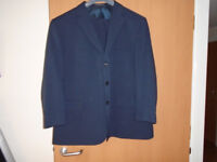 BRAND NEW GENTS SINGLE BREASTED 3 BUTTON DARK BLUE SUIT, SIZE 48/52, by GREENWOODS CLASSIC