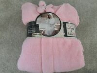Ladies Pink Microfibre Bathrobe