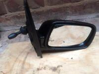 Toyota Yaris 1998-2005 genuine driver side door wing mirror in the black colour £10 ( 07440421368 )