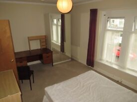 DOUBLE FURNISHED BEDROOMS AVAILABLE TO RENT