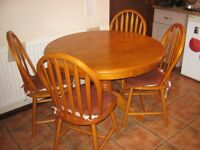 For sale Kitchen table plus four chairs in very good condition