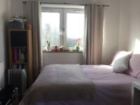 Beautiful and large double fully furnished bedroom close to Surrey Quays
