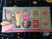 Flutter Bathtime treats Brand New set Never Opened!