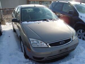 2005 Ford Focus ZX4 SE ~ LOW MILEAGE ~ DRIVES GOOD ~ AS-IS ~