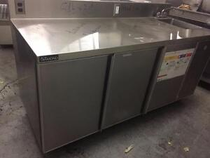 Refrigerated stainless Steel Table with Right Side Hand Sink