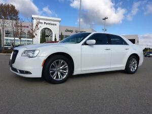 2016 Chrysler 300 Touring Panoramic Sunroof and Leather