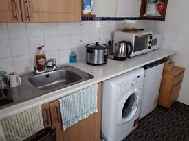 Small studio. Main brighton rd in lancing £580pcm. All bill included in rent. Garden .parking