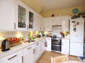 A Large 2 bedroom flat on a quiet residential road close to Holloway & Archway Tubes