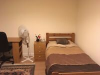 1 large bedroom, in a modern, quiet and ideal location within Cambridge.