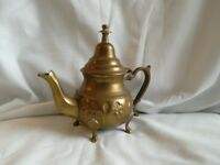 Maroccon brass tea pot ,original 15cm high very pretty collectors item 19£ ono