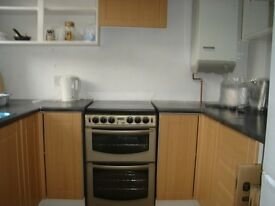very large well presented 4 double bedroom house close to Chatham station.