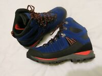 Brand new Karrimor Mens Youths Hot Rocks Walking Boots size 8